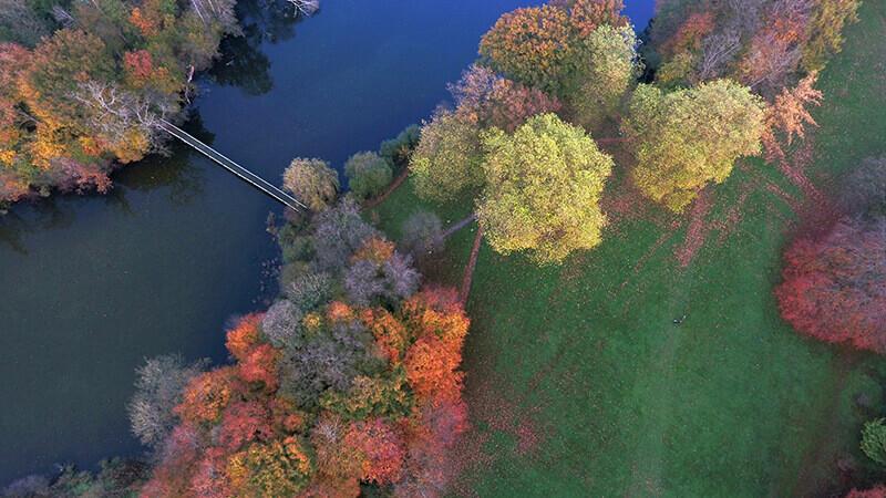 Der Hasensee und die Brücke aus der Vogelperspektive